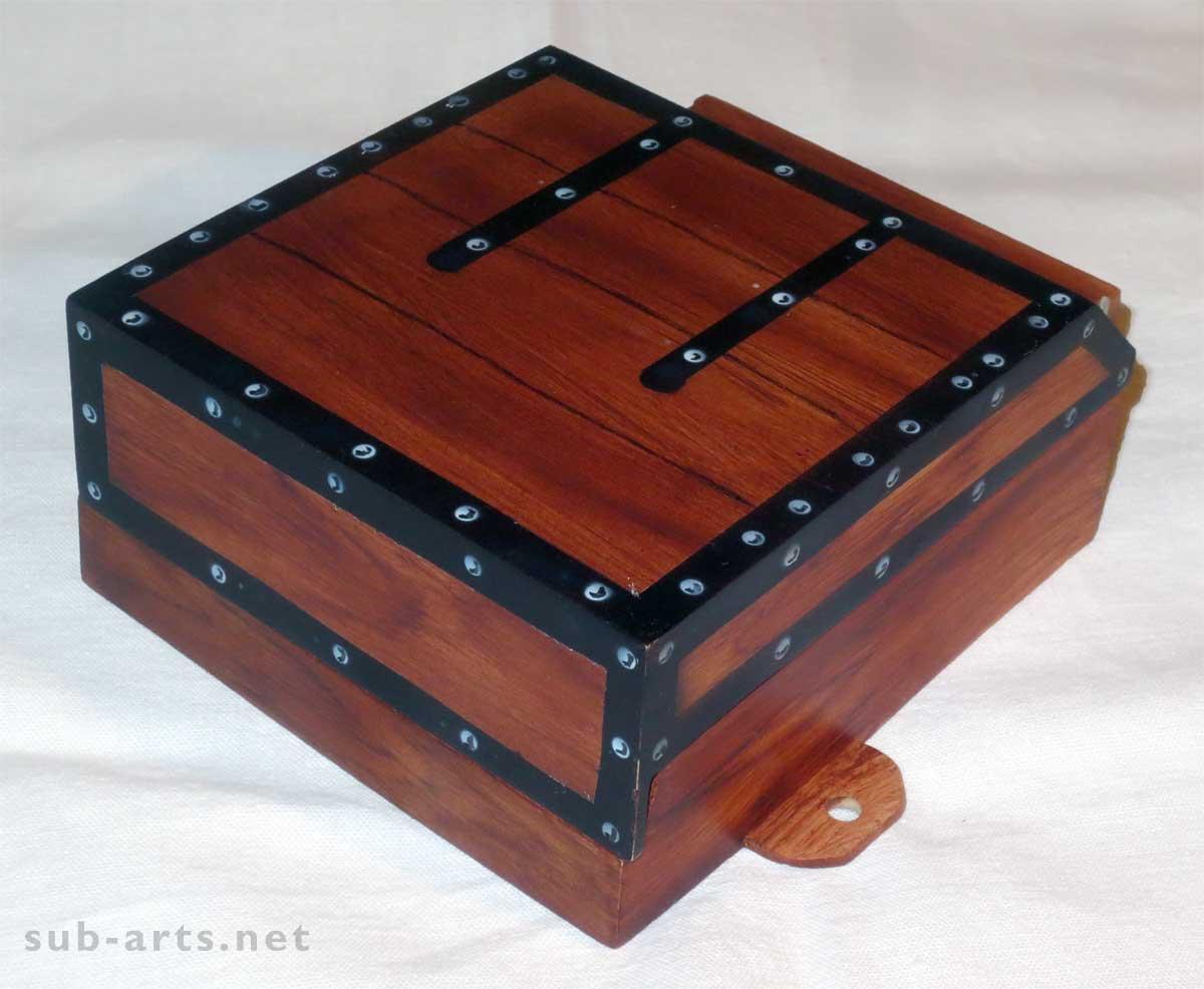 Airbrush-Holzimitat-Addams-Family-Plastics-Thing-Box