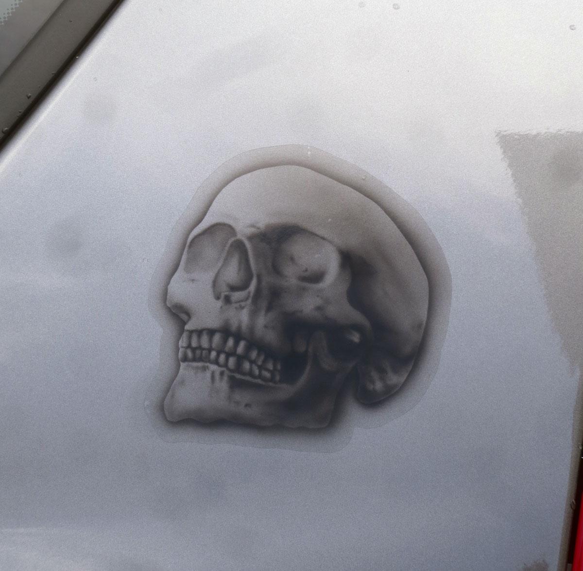 skull-schaedel-totenkopf-airbrush-auto-custompainting-folie