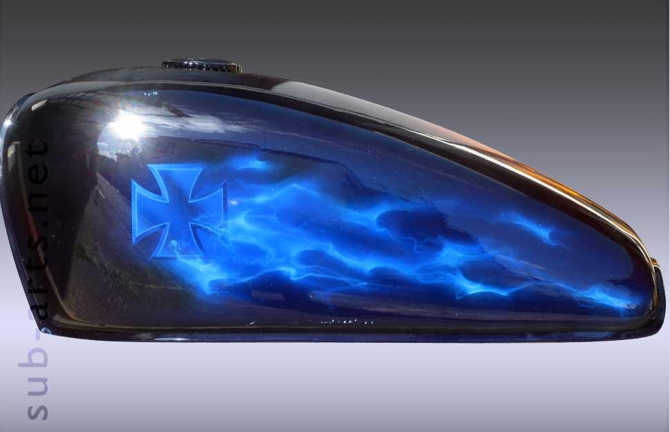 blue-fire-bike-motorrad-tank-onkelz-quer