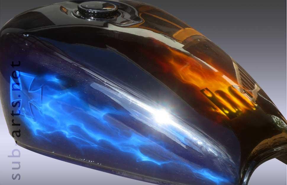 real-fire-bike-motorrad-tank-onkelz-quer