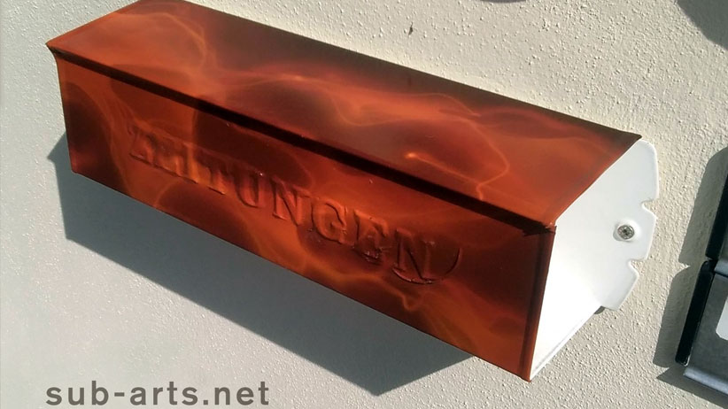 custom-briefkasten-true-fire-folie